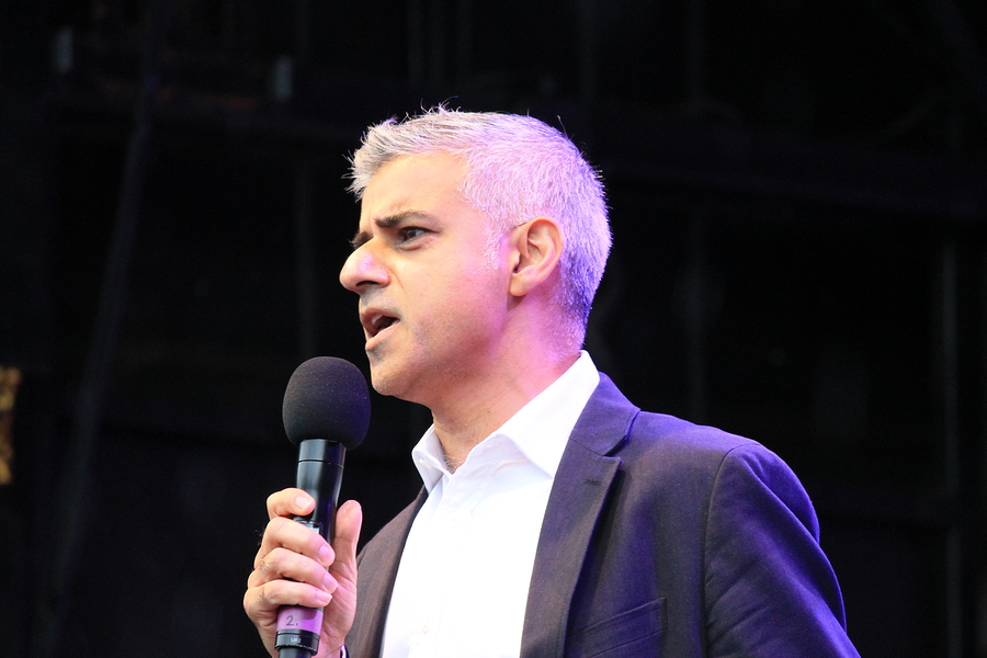Westminster London UK. 16th October 2016. The Mayor of London Sadiq Khan opens Festival Of Dewali Trafalgar Square